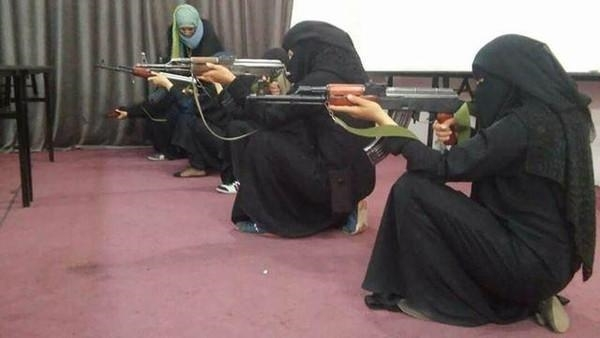 Hezbollah experts train Houthi women in Hodeida